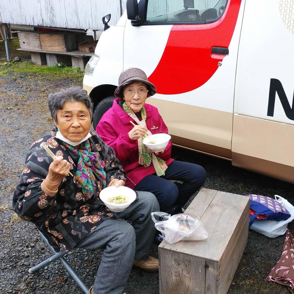 【報告】10/22(木)、10/25(日)、10/28(水)、10/29(木)、10/30(金)キッチンカーによるなべっこを実施!